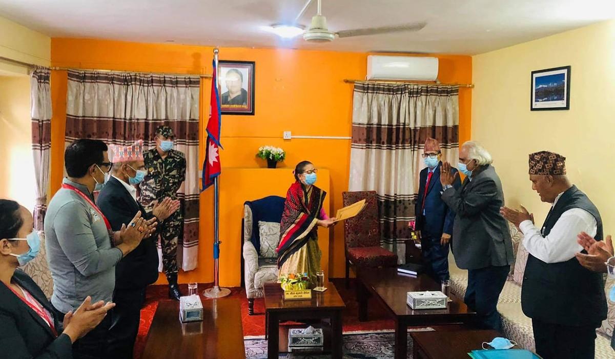 गण्डकी प्रदेश: दीपक मनाङेको समर्थनमा बहुमत सांसदको हस्ताक्षरसहित मुख्यमन्त्रीमा पोखरेलको दावी